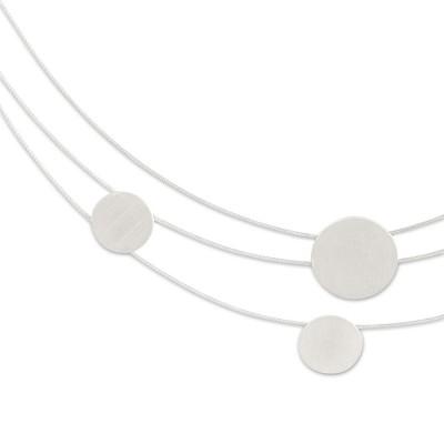 Collier Dots 3-reihig, 9, 13, 9, 11 mm Anhänger, Silber matt